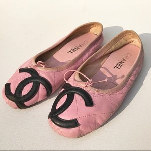 CHANEL Pink quilted Cambon ballet flats 38 shoes